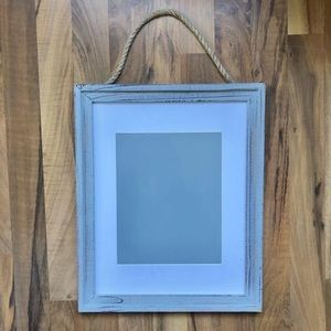 NWT distressed grey picture frame with rope hanger